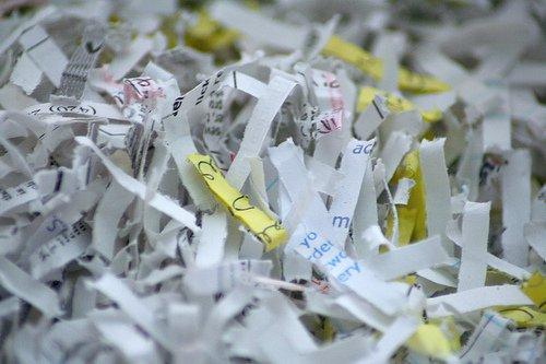 papel destruido